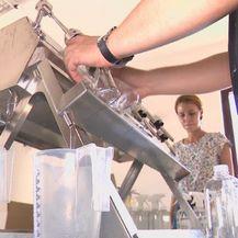 Građani plastičnu ambalažu sada mogu koristiti za punjenje domaćim proizvodima (Foto: Dnevnik.hr)