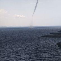 Pijavica kod Korčule (Foto: Snimio čitatelj Dnevnik.hr) - 3