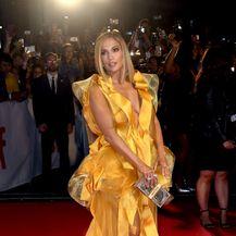 Jennifer Lopez na premijeri filma Hustlers - 5