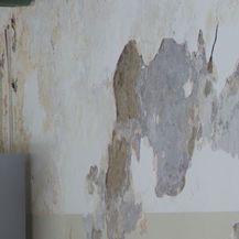 Zid škole u raspadu (Foto: Dnevnik.hr)