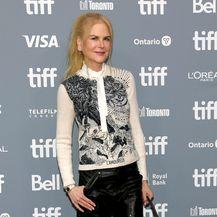 Nicole Kidman u neočekivanim cipelama na crvenom tepihu - 5