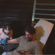Sobin u tattoo salonu (Foto: Dnevnik.hr)