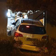 Pijani vozač sletio u obiteljsku kuću u Požegi (Foto: DK/Požega.eu)