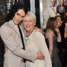 Helen Mirren i Russell Brand (Foto: Getty Images)