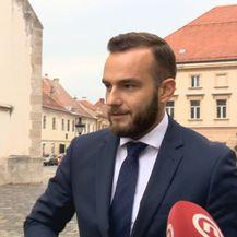Aladrović pred novinarima (Foto: Dnevnik.hr)