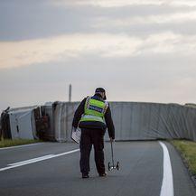 Kod Virovitice se prevrnuo kamion (Foto: icv.hr) - 2
