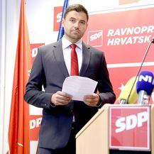 Davor Bernardić na konferenciji za medije (Foto: Patrik Macek/PIXSELL)