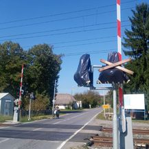 Pružni prijelaz kod Okučana (Foto: Dnevnik.hr)2