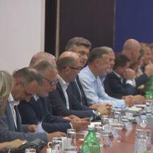 Mnogo HDZ-ovaca (Foto: Dnevnik.hr)