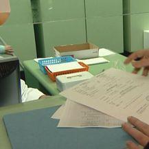 Papirologija na šalteru (Foto: Dnevnik.hr)