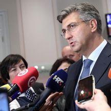 Andrej Plenković obratio se novinarima nakon aktualnog prijepodneva (Foto: Patrik Macek/PIXSELL)