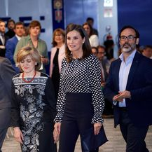 Kraljica Letizia u travnju 2019. godine prilikom posjeta španjolskoj novinskoj agenciji