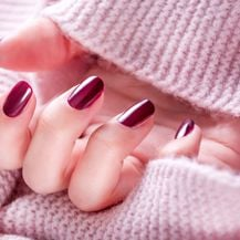 Crveni lak za nokte