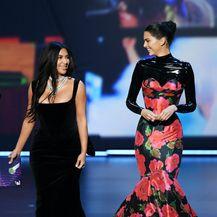 Kim Kardashian i Kendall Jenner na 71. dodjeli Emmyja