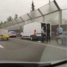 Riječka policija na obilaznici zaustavila kombi pun migranata (Foto: Dnevnik.hr)2