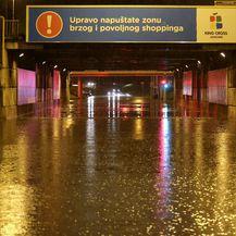 Poplavljen podvožnjak u Škorpikovoj (Foto: Matija Habljak/Pixsell) - 1