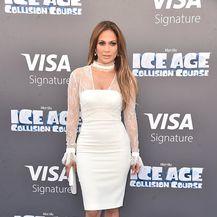 Bijele kombinacije Jennifer Lopez - 4