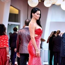 Adriana Lima na crvenom tepihu u Veneciji - 2