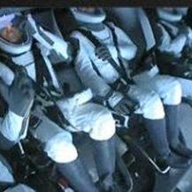 Turisti SpaceX-a u kapsuli Crew Dragon prije slijetanja