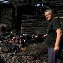 Nakon potresa, požar im progutao kuću - 2