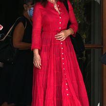 Monica Bellucci u vrlo ženstvenoj maksi haljini - 5