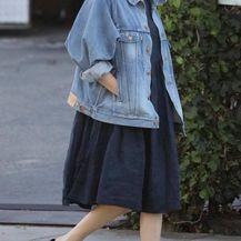 Charlize Theron u haljini, traper-jakni i najudobnijim natikačama - 3