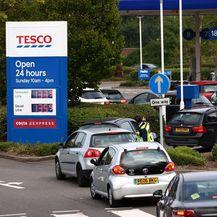 Velike gužve na benzinskim postajama zbog nestašice goriva u Velikoj Britaniji - 1