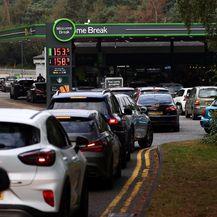 Velike gužve na benzinskim postajama zbog nestašice goriva u Velikoj Britaniji - 6