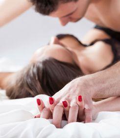 Seksi goli pis