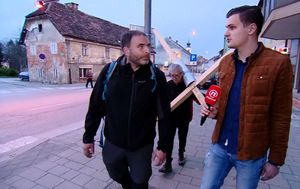 Hodočasnik s križem (Foto: Dnevnik.hr) - 1