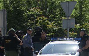 Privođenje muškarca koji je prijetio eksplozivom (Foto: Ivo Cagalj/PIXSELL)