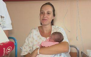 Beba rođena u helikopteru (Dnevnik.hr)