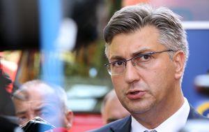 Premijer Andrej Plenković u Divuljama (Foto: Miranda Cikotic/PIXSELL)