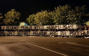 Zabranjeni transparent Torcide u Zaprešiću (Facebook)