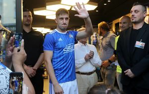 Druženje igrača Dinama s navijačima (Foto: Dalibor Urukalovic/PIXSELL)