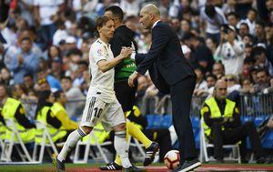 Luka Modrić i Zinedine Zidane (Foto: AFP)