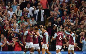 Slavlje igrača Aston Ville (Foto: AFP)