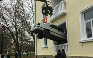 Na automobilu će vježbati studenti Tehničkog fakulteta Todor Kableškov (FOTO: Facebook)