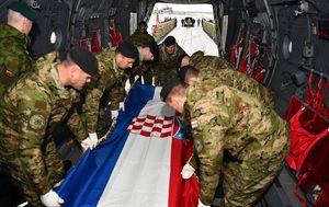 Tijelo preminulog vojnika prevezeno iz Litve u RH (Foto: MORH)