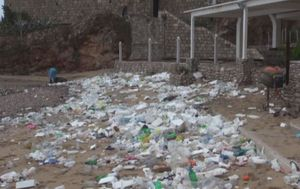 Jugo u Dubrovniku onečistilo poznatu plažu (Foto: Dnevnik.hr)