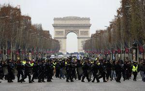 Prosvjed žutih prsluka u Parizu (Foto: AFP) - 6
