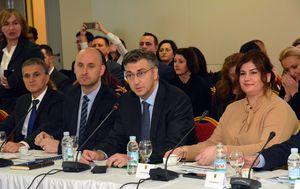 Premijer Plenković u Pakracu (Foto: Ivica Galovic/PIXSELL)