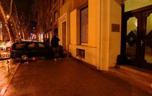 Automobil završio tek nekoliko metara od ulaza u središnjicu HDZ-a u Zagrebu (Foto: Dnevnik.hr)