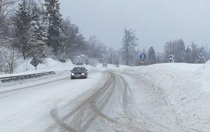 Na staroj cesti ugažen snijeg (Foto: Marko Balen)