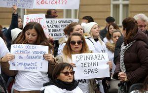 Prosvjed roditelja zbog Spinraze (Foto: Pixell)