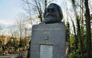 Grob Karla Marxa