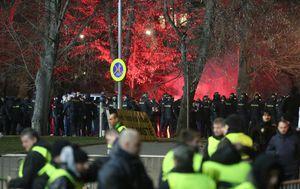 Sukob ispred stadiona u Plzenu (Foto: Igor Kralj/PIXSELL)