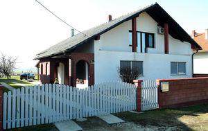 Kuća u kojoj je pronađen leš u zamrzivaču (Foto: Sanjin Strukic/PIXSELL)