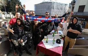 Navijači Viktorije Plzen (Foto: Jurica Galoic/PIXSELL)