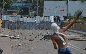Prosvjedi na granici Venezuele i Kolumbije (Foto: AFP)
